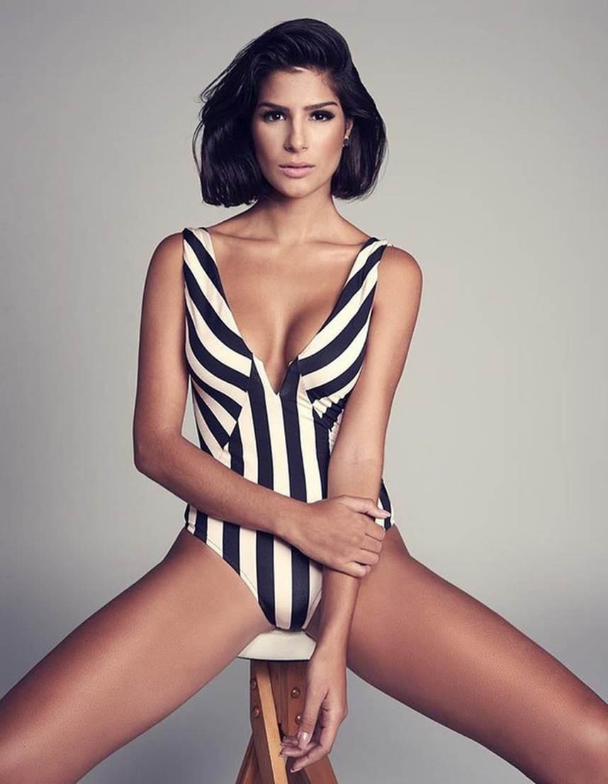 Đối thủ Hoàng Thùy tại Miss Universe 2019: Từ cơ bụng 6 múi đến thành tích cực khủng đủ sức nuốt chửng bất cứ người đẹp nào!-18