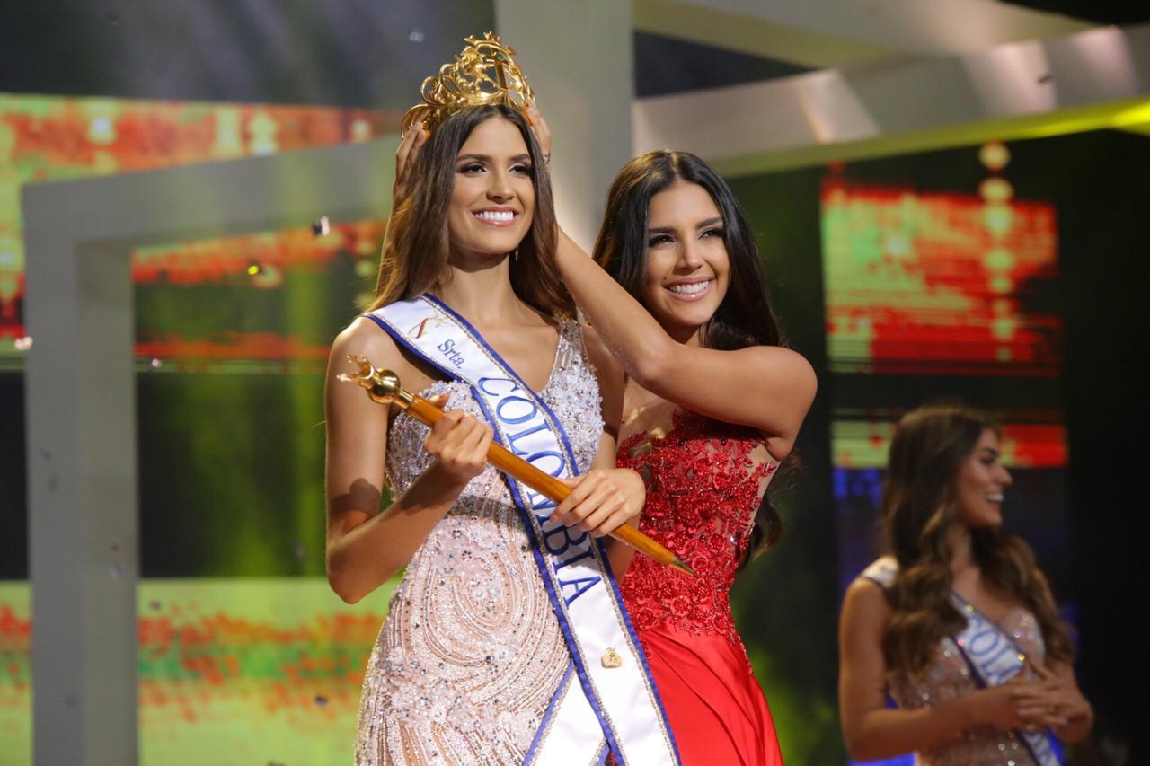 Đối thủ Hoàng Thùy tại Miss Universe 2019: Từ cơ bụng 6 múi đến thành tích cực khủng đủ sức nuốt chửng bất cứ người đẹp nào!-11