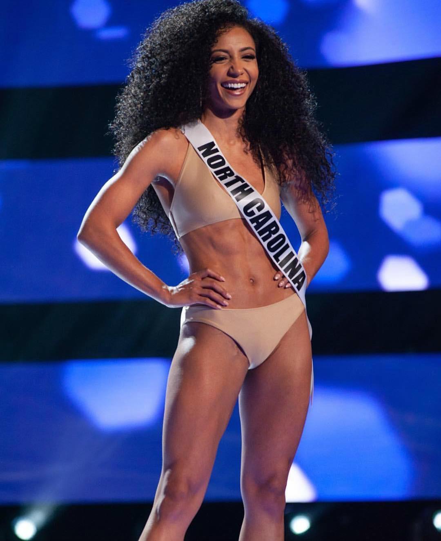Đối thủ Hoàng Thùy tại Miss Universe 2019: Từ cơ bụng 6 múi đến thành tích cực khủng đủ sức nuốt chửng bất cứ người đẹp nào!-8