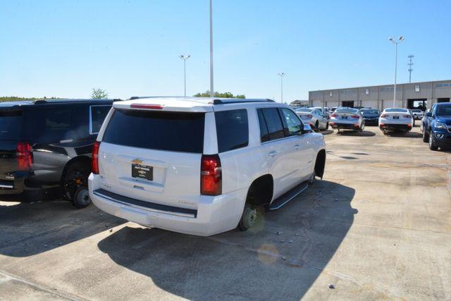 Trộm đột nhập đại lý ô tô, lấy cắp 124 bánh từ các xe đang trưng bày-4
