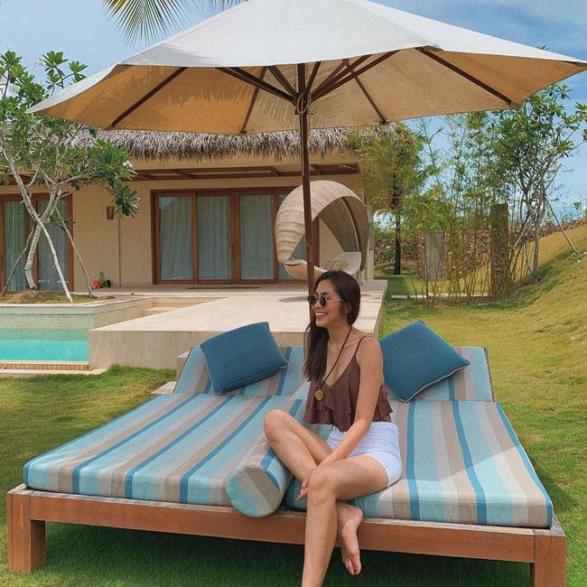 Đã mắt khi ngắm style du lịch của sao Việt nhưng đồng thời, bạn sẽ góp nhặt được 1001 ý tưởng diện đồ tuyệt xinh-12