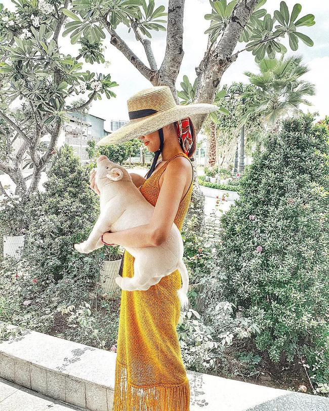 Đã mắt khi ngắm style du lịch của sao Việt nhưng đồng thời, bạn sẽ góp nhặt được 1001 ý tưởng diện đồ tuyệt xinh-15