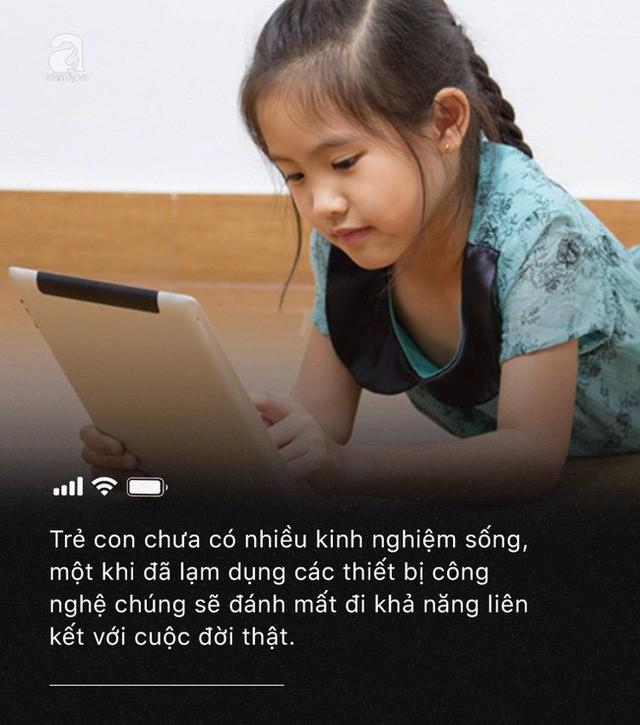 Con quấy khóc, bố mẹ cho chơi ngay smartphone: Đừng vì vài phút nhàn rỗi mà hủy hoại một đứa trẻ còn chưa kịp lớn!-6