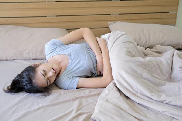Những cơn đau đột ngột xuất hiện có thể cảnh báo nhiều bệnh nguy hiểm mà bạn nên chú ý-2