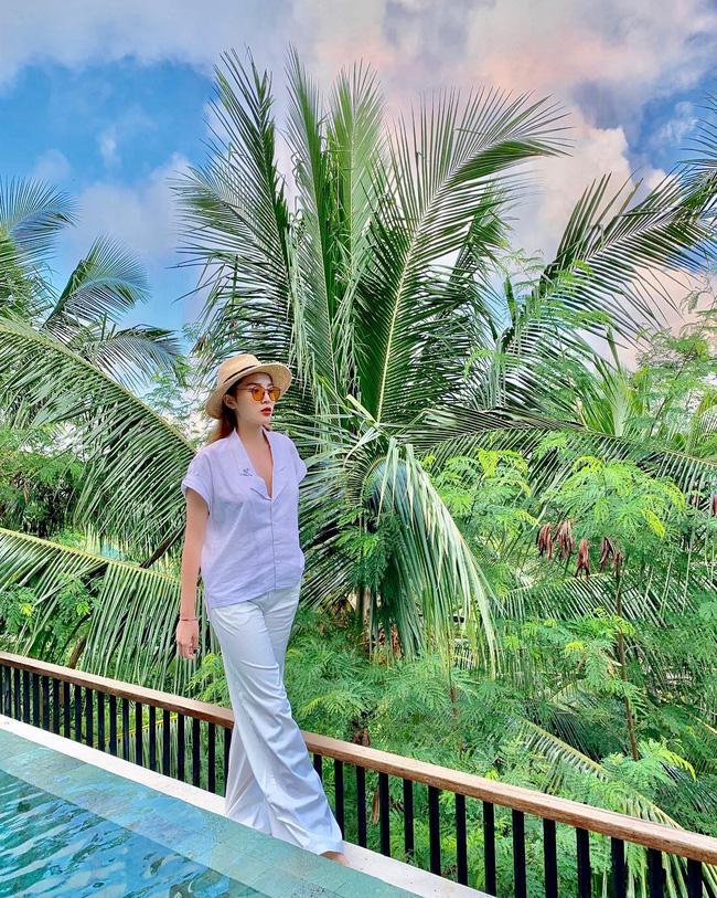 Đã mắt khi ngắm style du lịch của sao Việt nhưng đồng thời, bạn sẽ góp nhặt được 1001 ý tưởng diện đồ tuyệt xinh-7