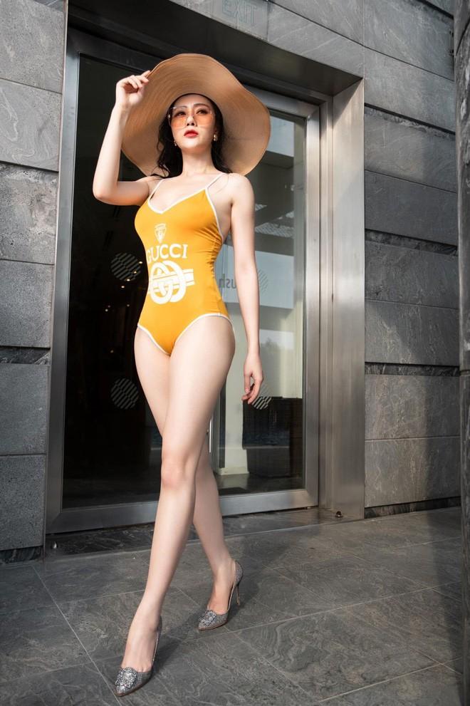 Bị chê mặc áo tắm trông thiếu lịch thiệp, Phương Oanh đáp trả: Bình thường mặc vest để bơi hả-4