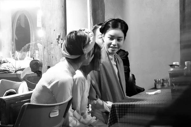 Nữ diễn viên đang gây chú ý vì 13 tuổi đã đóng cảnh nóng là ai?-6