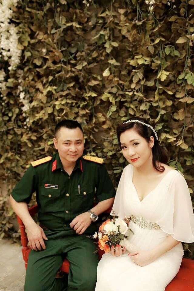 Hành trình 4 năm hôn nhân hạnh phúc của NSND Tự Long và người vợ tài sắc-3