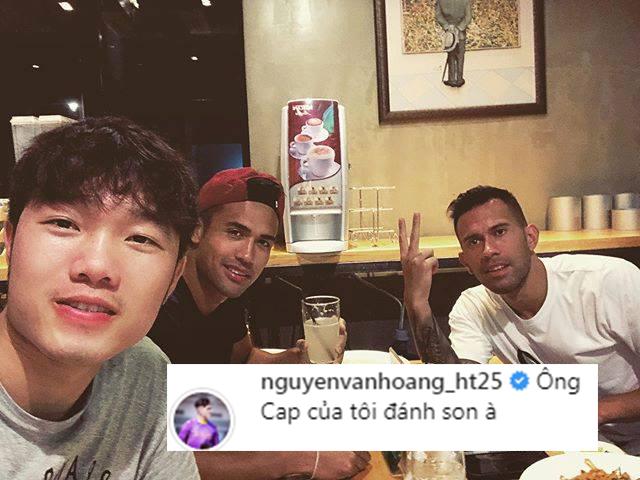 Thủ môn đẹp trai của U23 nghi ngờ Xuân Trường đánh son khi đi ăn ở Thái Lan-1