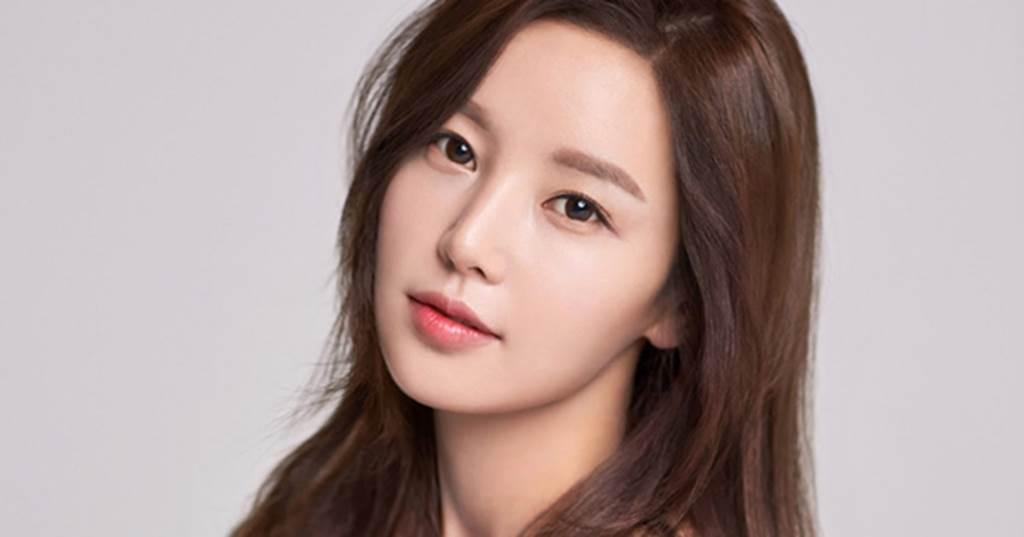 7 siêu phẩm thẩm mỹ Hàn Quốc khiến nhiều đàn ông nghi ngờ phụ nữ đẹp-12