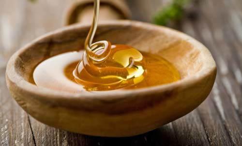 Chích 2 viên vitamin E lấy dịch, trộn lẫn cùng mật ong rồi thoa lên mặt, bạn sẽ bất ngờ-2