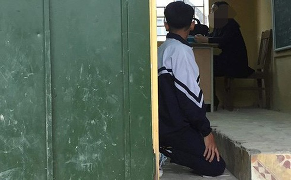 Xôn xao hình ảnh nam sinh lớp 9 bị cô giáo bắt quỳ gối ngay trong lớp học-1