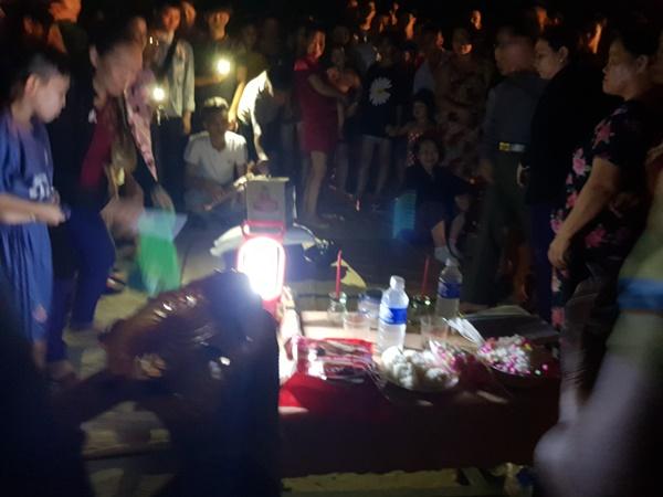 Đà Nẵng: 3 nam sinh bị đuối nước trong lúc tắm biển, 1 người mất tích-3