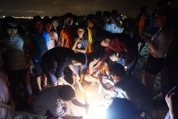 Đà Nẵng: 3 nam sinh bị đuối nước trong lúc tắm biển, 1 người mất tích-4