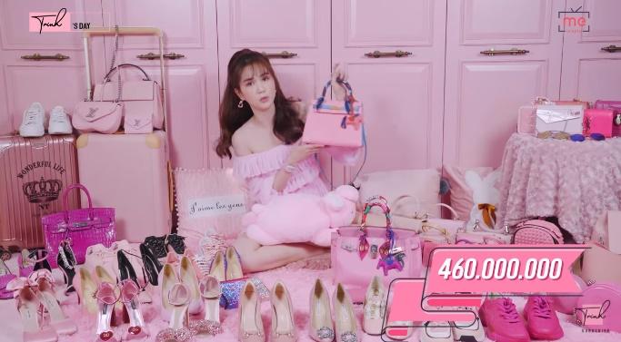 Chịu chơi như Ngọc Trinh: Sở hữu khối hàng hiệu màu hồng như trung tâm thương mại trị giá đến 7 tỷ đồng-2