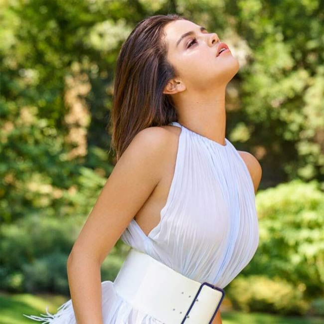 Thời đại phụ nữ mũm mĩm lên ngôi, Selena Gomez chứng minh tròn tròn là sexy-8