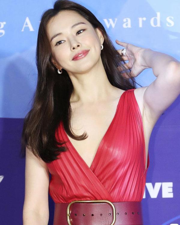"""Hoa hậu đẹp nhất Hàn Quốc"""" giảm béo nhờ quả 1000 đồng bán đầy ở Việt Nam-7"""