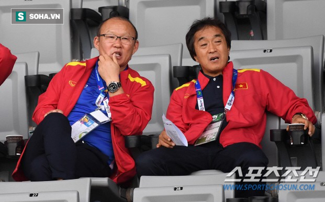 """Công Phượng nhận món quà"""" hiếm có từ thầy Park trong ngày được đá chính ở K.League-1"""