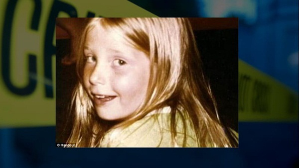 Bé gái 9 tuổi mất tích khi đi bán bánh quy, 33 ngày sau thi thể của em được tìm thấy trong một nhà kho lạnh lẽo gần nhà-3