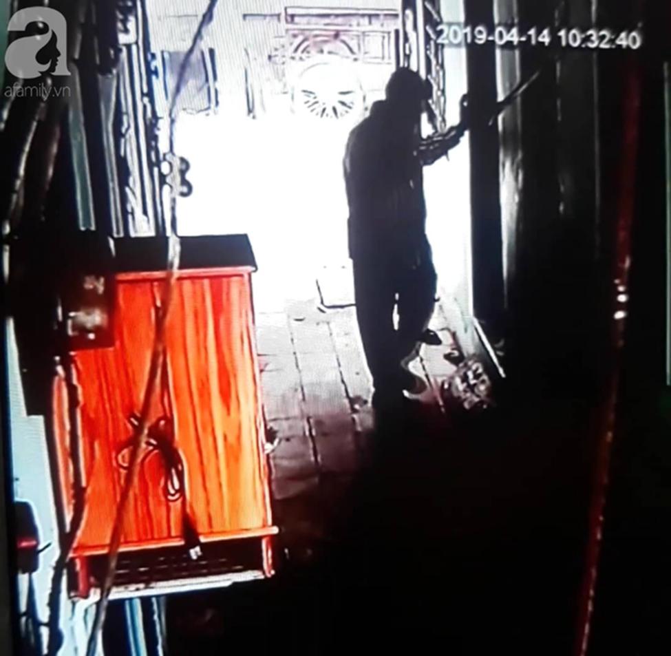 Gần một tháng, người mẹ mòn mỏi chờ công lý, đau khổ khi con gái 5 tuổi nghi bị gã xe ôm 60 tuổi dâm ô trong phòng trọ ở Sài Gòn-6