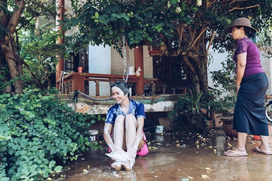 Nhân ngày của mẹ, HHen Niê công bố bộ ảnh chụp cùng đấng sinh thành dù ém hàng đã lâu-13