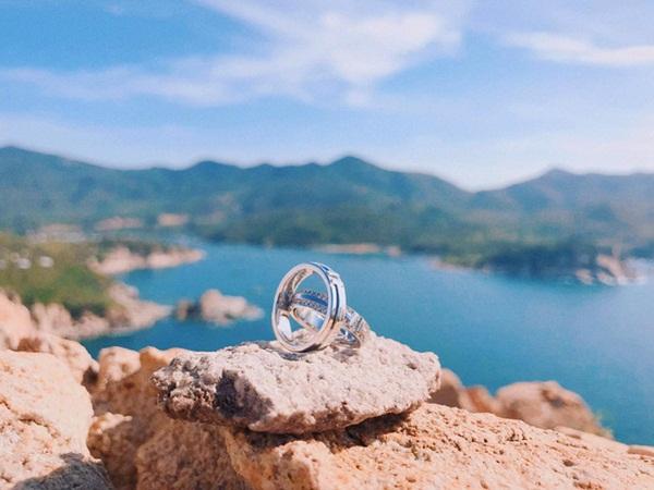 Đàm Thu Trang khoe nhẫn cưới sang chảnh cùng Cường Đô la kèm câu nói mà ai cũng chờ đợi-1