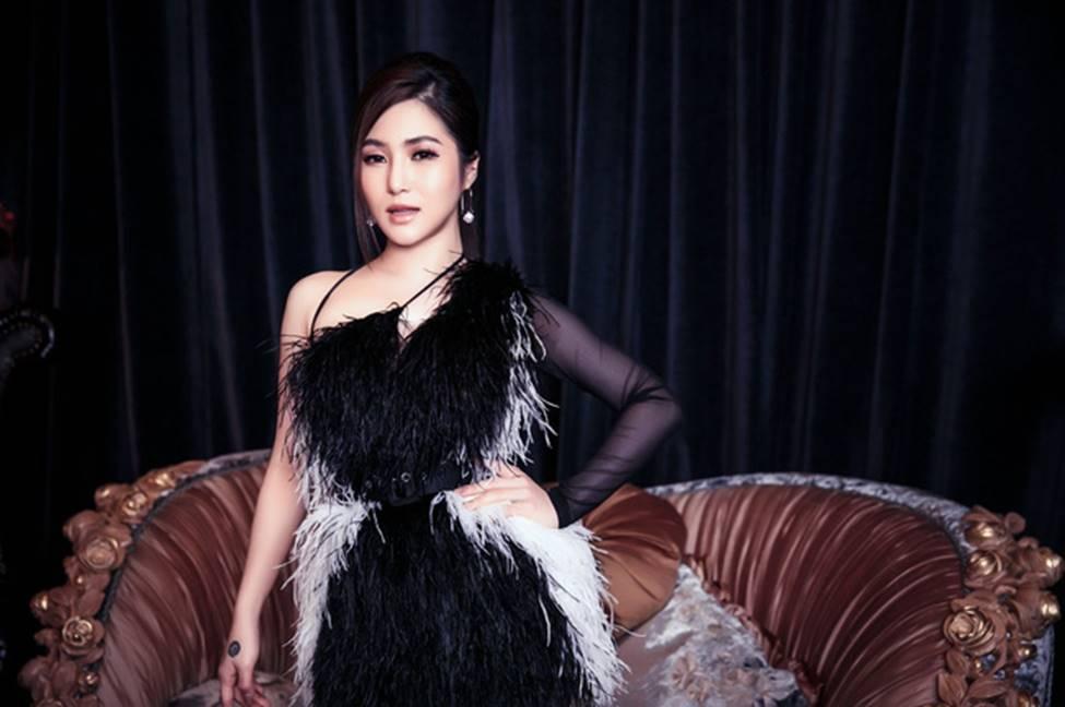 Hương Tràm phải tiêm thuốc kháng sinh để có thể hát trong đêm diễn tạm biệt khán giả Hà Nội-10