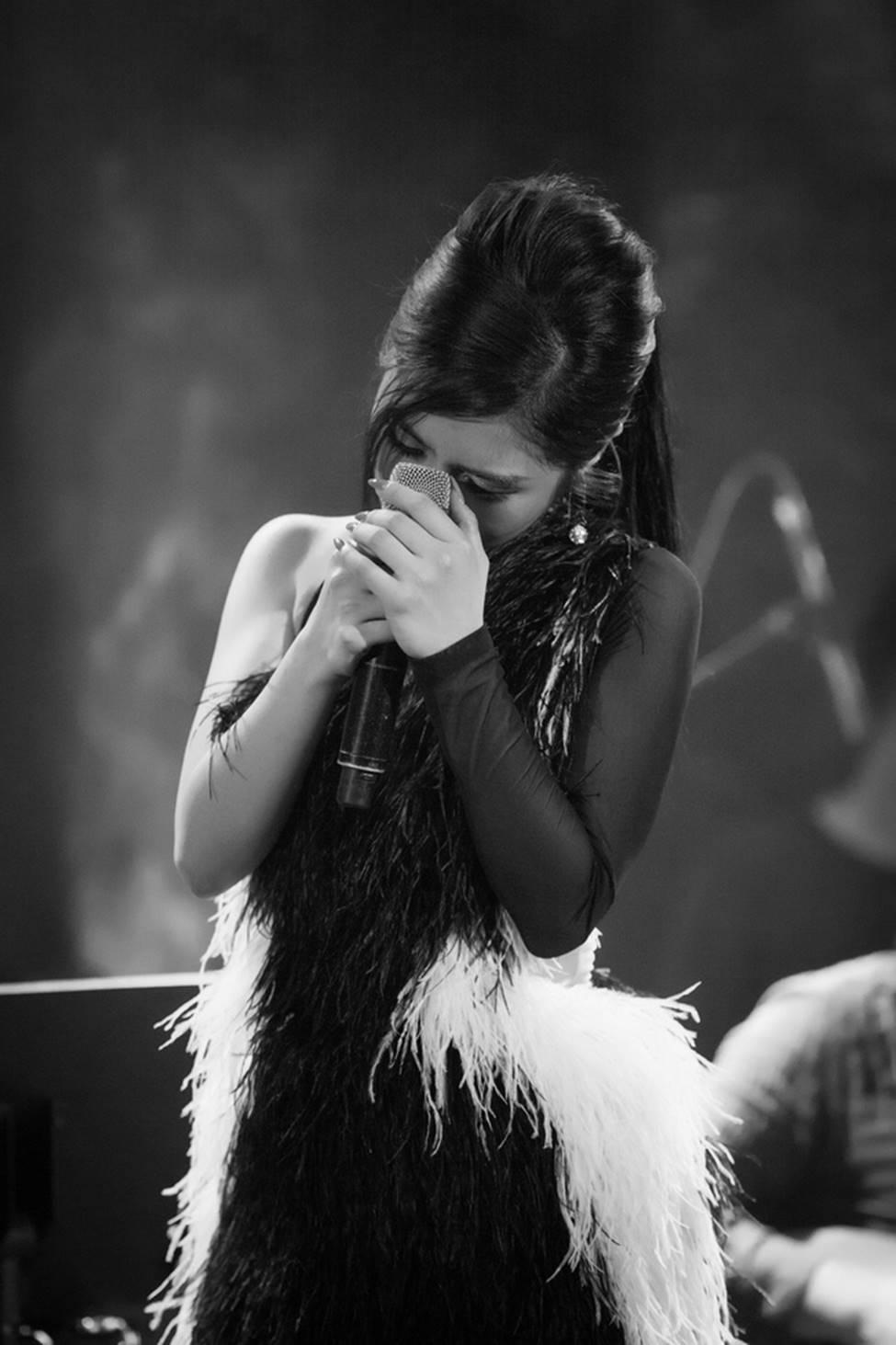 Hương Tràm phải tiêm thuốc kháng sinh để có thể hát trong đêm diễn tạm biệt khán giả Hà Nội-3