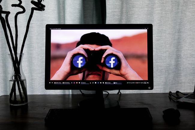 Nữ nhà báo khẳng định Facebook đang theo dõi chúng ta-3