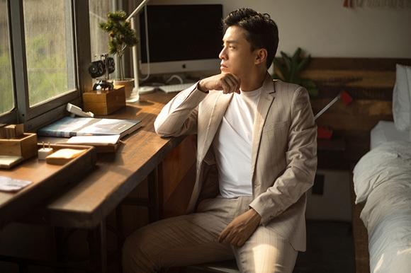 Gạt qua nỗi buồn mất giấy tờ, ca sĩ Lam Trường tung bộ ảnh với thần thái chuẩn soái ca-7