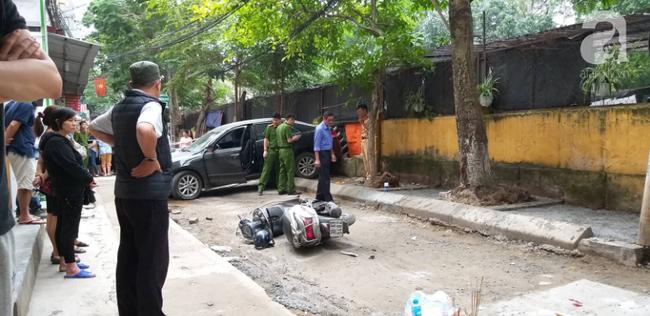 Thêm tình tiết vụ nữ tài xế lùi Camry khiến người phụ nữ tử vong: Khi lùi xe bị vướng vào mô đất, vẫn đang điều tra thêm-2