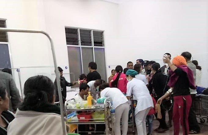136 người lớn, trẻ nhỏ nhập viện cấp cứu sau tiệc cưới-1