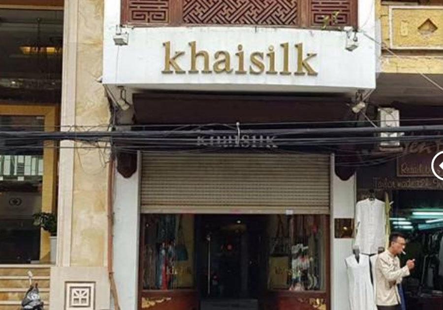 Cửa hàng Khaisilk tháo biển hiệu, lặng lẽ tu sửa bên trong-1