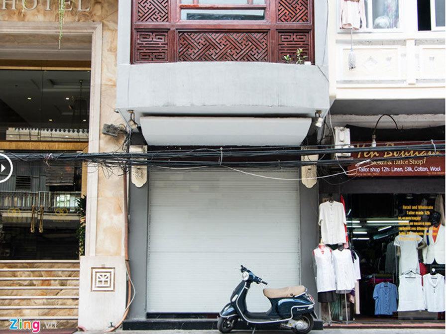 Cửa hàng Khaisilk tháo biển hiệu, lặng lẽ tu sửa bên trong-2