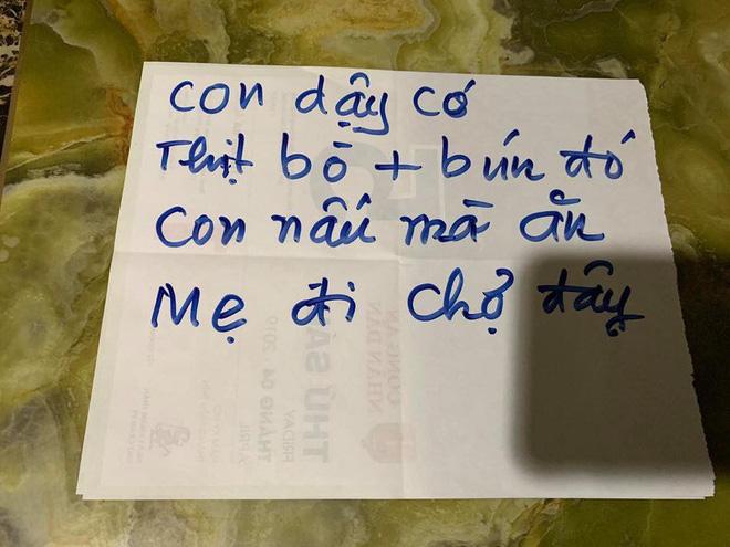 Người mẹ và những mảnh giấy viết tay gửi cho con khiến ai cũng rưng rưng muốn về nhà-1