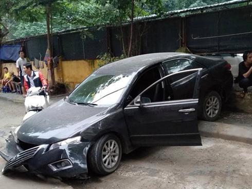Nữ tài xế lùi xe Camry tông chết người đi xe máy là đại tá công an-1