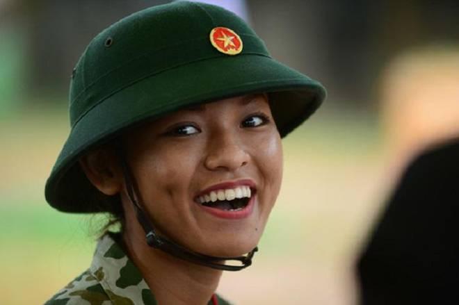 Chẳng ai như Mai Ngô, mỗi lần khoe mặt là mỗi lần cư dân mạng được dịp... náo loạn!-8