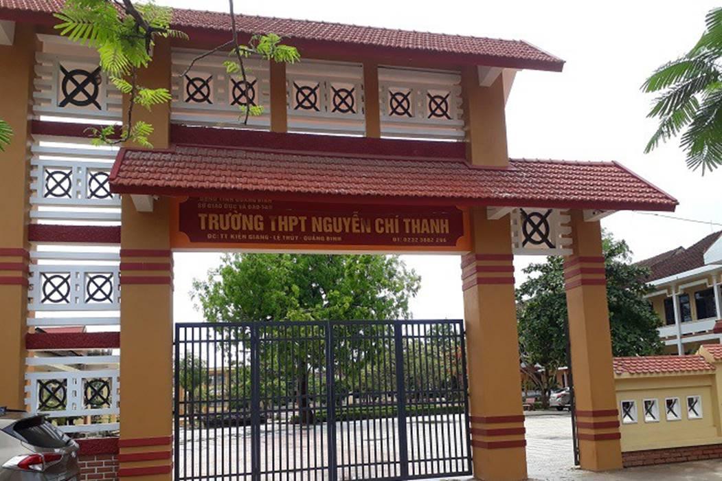 Bảo vệ bạn, nữ sinh ở Quảng Bình bị đánh gần 1 tiếng đồng hồ-3
