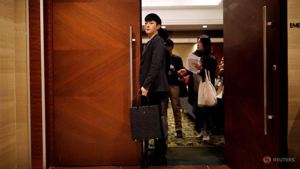 Nghịch lý nực cười ở Hàn Quốc: Cử nhân Đại học thất nghiệp trầm trọng, phải ra nước ngoài tìm việc-7