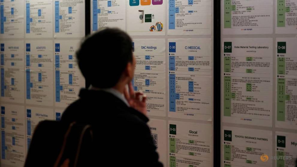 Nghịch lý nực cười ở Hàn Quốc: Cử nhân Đại học thất nghiệp trầm trọng, phải ra nước ngoài tìm việc-8