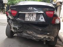 Ô tô mất lái, hai mẹ con trên đường đến trường thoát chết trong gang tấc