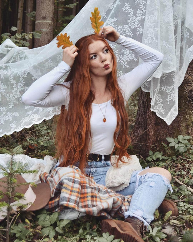 9X được chú ý nhờ sở hữu mái tóc đỏ tự nhiên ít người có-2
