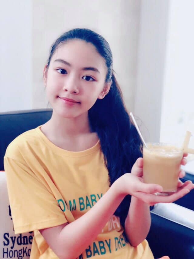"""Công chúa"""" 14 tuổi nhà Quyền Linh: Cao 1m7, sở hữu vẻ đẹp mong manh và được ví là bản sao của Trương Bá Chi-3"""