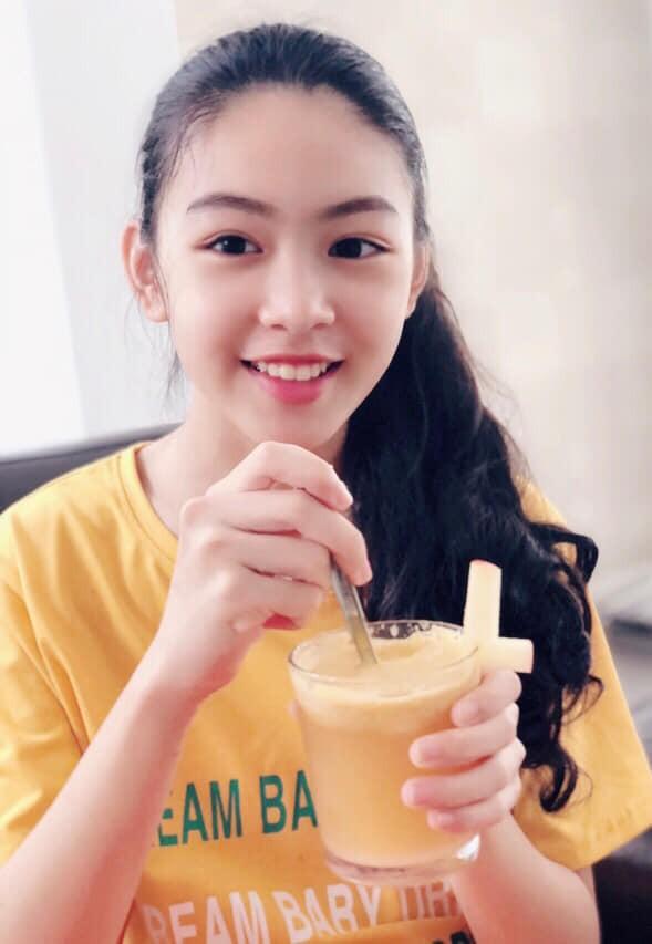 """Công chúa"""" 14 tuổi nhà Quyền Linh: Cao 1m7, sở hữu vẻ đẹp mong manh và được ví là bản sao của Trương Bá Chi-2"""