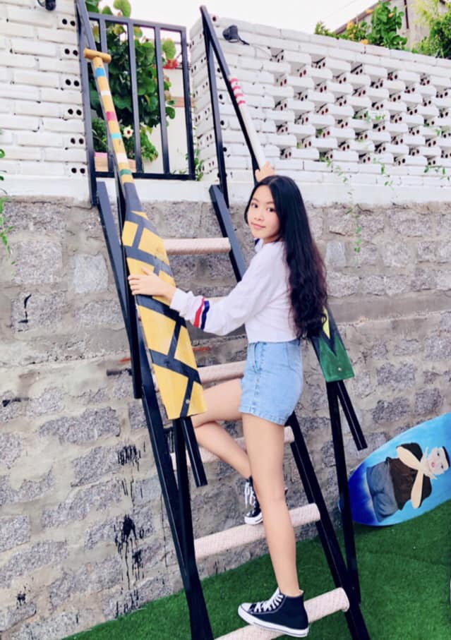"""Công chúa"""" 14 tuổi nhà Quyền Linh: Cao 1m7, sở hữu vẻ đẹp mong manh và được ví là bản sao của Trương Bá Chi-14"""