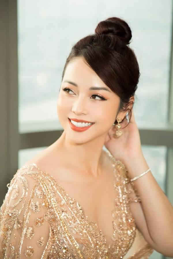 Jennifer Phạm gợi cảm trở lại làm MC sau tai nạn ngất xỉu phải nhập viện-2