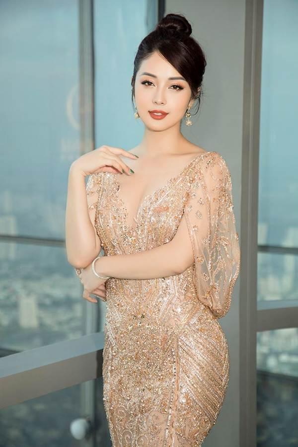 Jennifer Phạm gợi cảm trở lại làm MC sau tai nạn ngất xỉu phải nhập viện-4