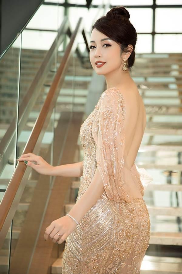 Jennifer Phạm gợi cảm trở lại làm MC sau tai nạn ngất xỉu phải nhập viện-6
