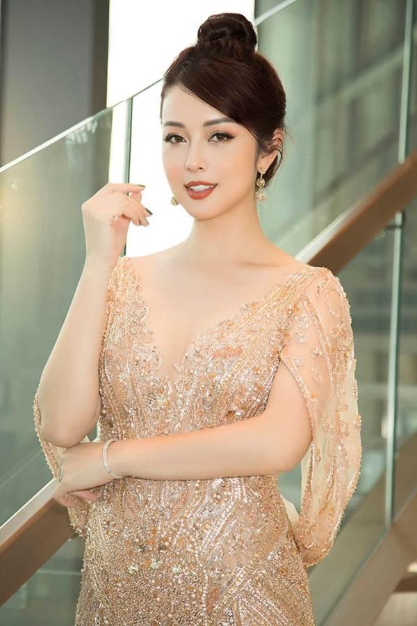 Jennifer Phạm gợi cảm trở lại làm MC sau tai nạn ngất xỉu phải nhập viện-7