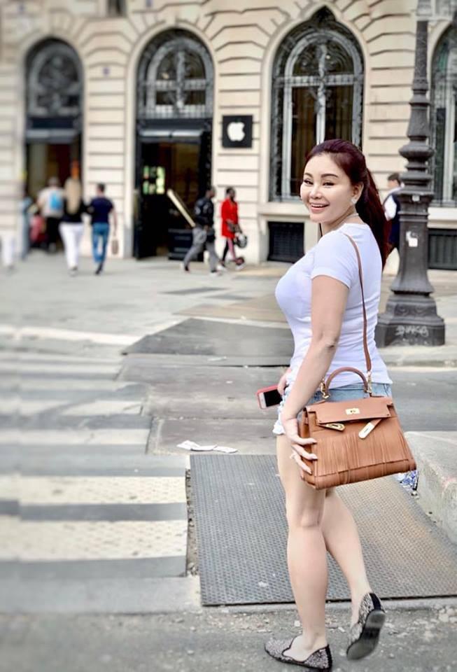 Vẻ nóng bỏng của diễn viên hài Lê Giang ở tuổi 47-9